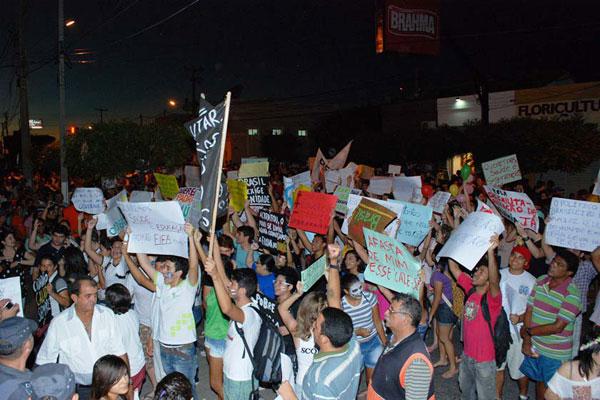 Em Caicó, o protesto foi por melhorias na saúde e educação