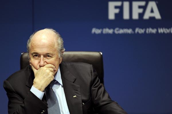 Presidente da Fifa, Joseph Blatter, negou possibilidade de cancelar competição