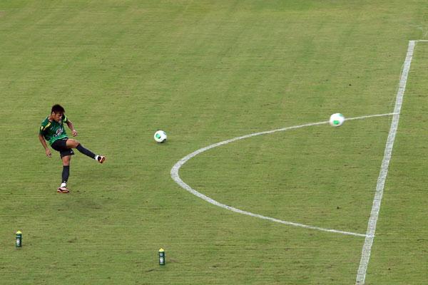 Em grande fase na Copa das Confederações e autor de dois gols em dois jogos, Neymar já é visto com preocupação pela Itália, que deverá armar um esquema especial para marcar o craque brasileiro