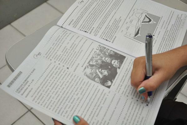 Em 2013, o Exame Nacional de Ensino Médio recebeu número recorde de inscrições: 7.173.574
