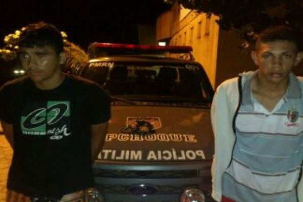 Ian Melo de Nascimento e João Paulo Silva Pereira foram presos em flagrante