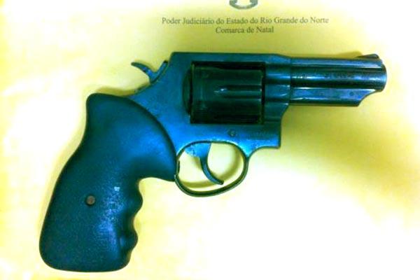 Arma utilizada no homicídio do advogado Antônio Carlos foi encontrada no Alecrim