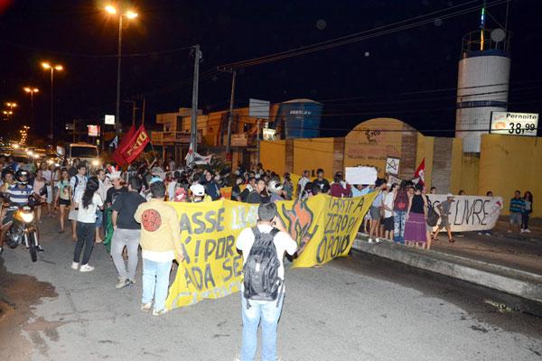 Ontem, protesto fechou a João Medeiros Filho, na zona Norte