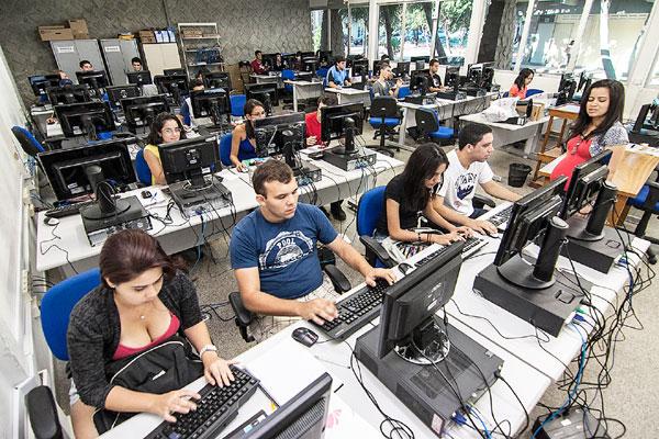 Setenta por cento das vagas são para egressos da rede pública, dos quais 80% com idade de 15 a 18 anos e 20% até 21 anos