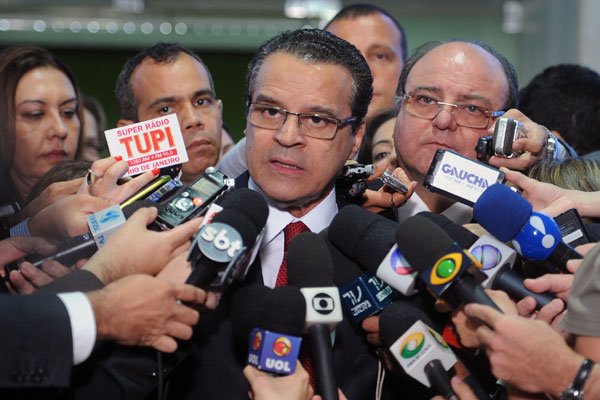 Presidente da Câmara dos Deputados, Henrique afirma que hora é de cautela, paciência e responsabilidade dos parlamentares