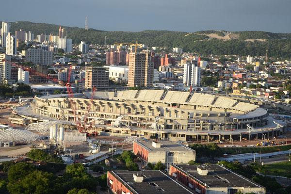 O estádio Arena das Dunas ainda não possui os assentos instalados, mas o mapa da FIFA já preestabelece os setores considerados mais caros e os mais baratos