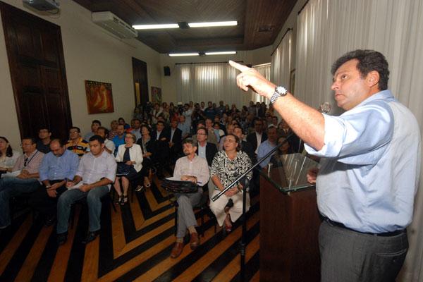 Carlos Eduardo fala sobre metas e prioridades nos primeiros 200 dias de gestão na capital