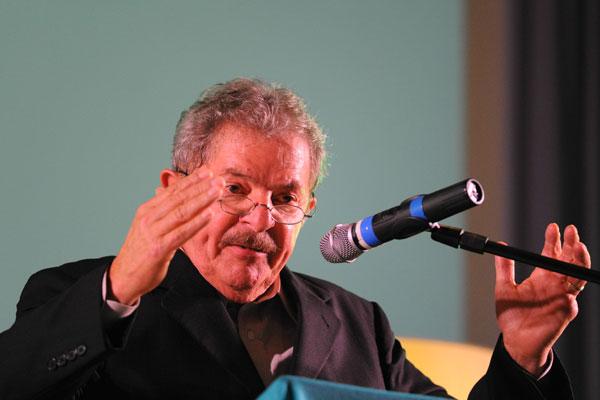 Lula da Silva põe fim a silêncio obsequioso e volta a falar sobre o momento político