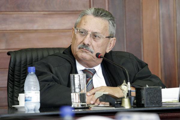 Expedito Ferreira: prazo maior para defesa e multa em caso de descumprimento da sentença