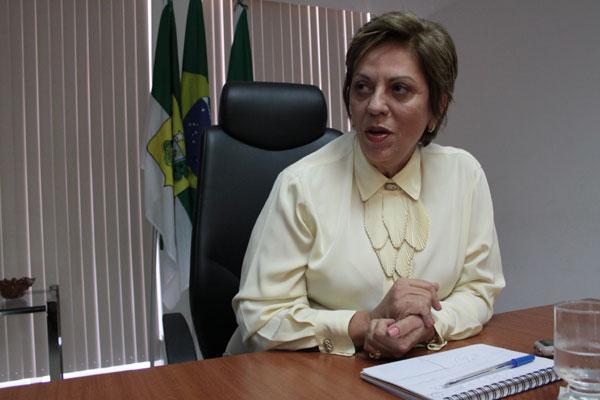 Rosalba: medidas para evitar o atraso de salários no Estado