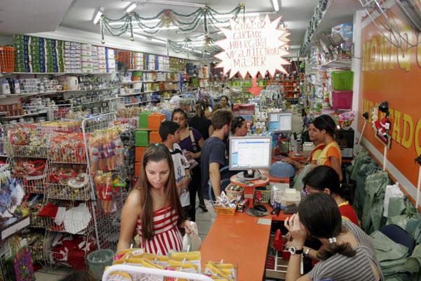 Lojas podem usar o cadastro positivo para identificar bons pagadores e oferecer a eles vantagens