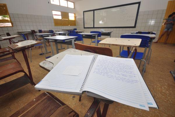 Na E.E. Jean Mermoz, seis disciplinas estão sem professores
