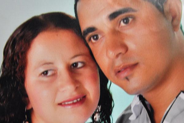 De acordo com testemunhas, Almir foi induzido pela esposa Rosimere, à esquerda, a matar a vizinha Edna