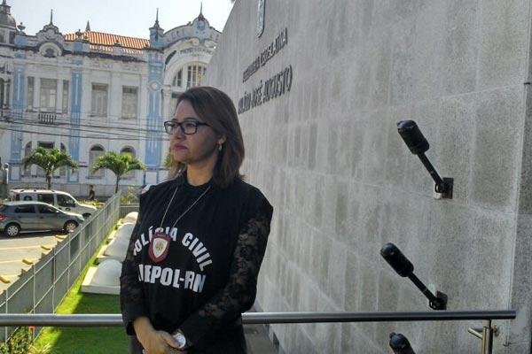 Presidente da Adepol, delegada Ana Cláudia Saraiva, cobra convocação de concursados