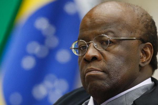 Com decisão de Joaquim Barbosa, Governo poderá efetuar o abate-teto nas remunerações