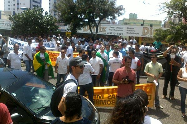 Manifestação teve início na sede da ACS e destino é Governadoria