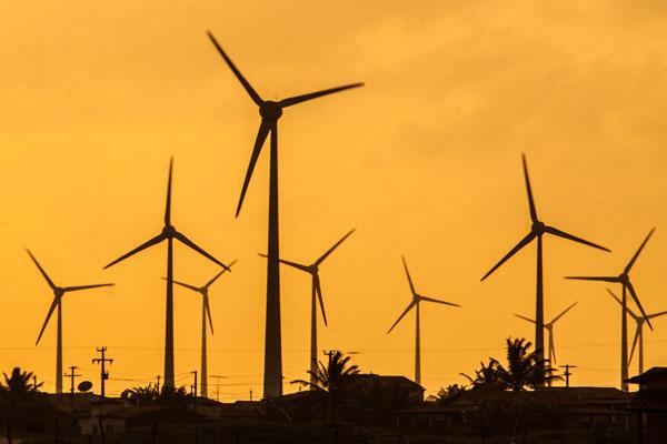 Atualmente, 45 parques eólicos estão em construção e outros 65 que ainda não iniciaram as obras somam 3,1 Gigawatts em geração de energia dos ventos, segundo dados da Aneel