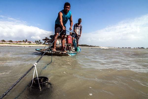 A pesca artesanal do polvo é fruto de projeto de pesquisa desenvolvido por biólogos da UFRN junto à população nativa de Rio do Fogo