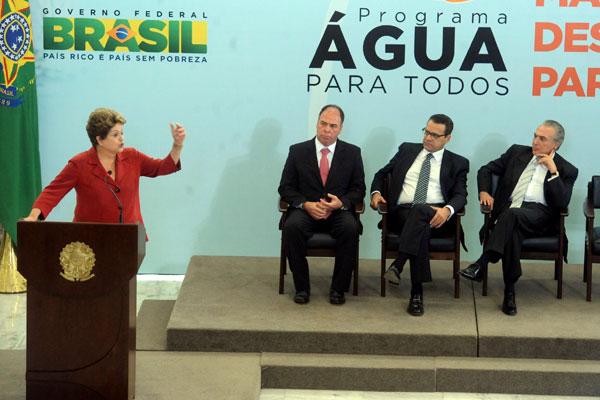 Fernando Coelho, Henrique e Temer participam da solenidade de assinatura parceria entre o governo federal e os municípios