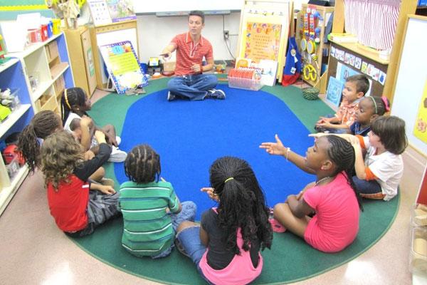 Alexandre Lopes ficou conhecido em todo o mundo por desenvolver didática especial para crianças autistas