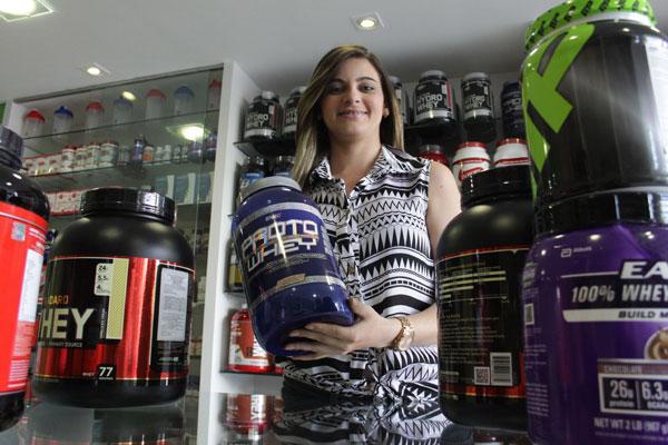 Rayane Alves, vendedora, confirma vendas altas
