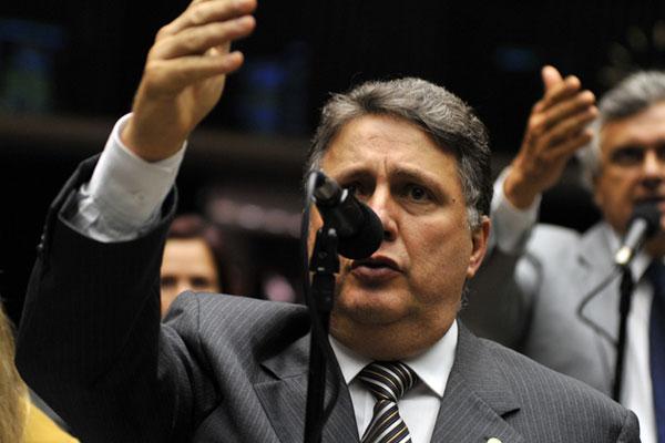 Anthony Garotinho lidera movimento para anular votação