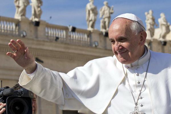 Papa Francisco: A proposta evangélica deve ser mais simples, profunda e irradiante. E é dessa proposta que depois devem vir os ensinamentos morais