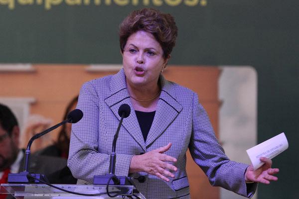 Dilma volta a conquistar terreno perdido nos protestos de junho