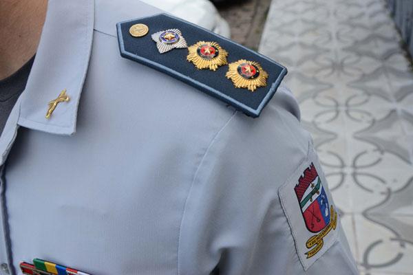 Entre os oficiais, segundo dados da Associação, 105 aguardam promoção. PM informou que o efetivo de oficiais é de 396 homens