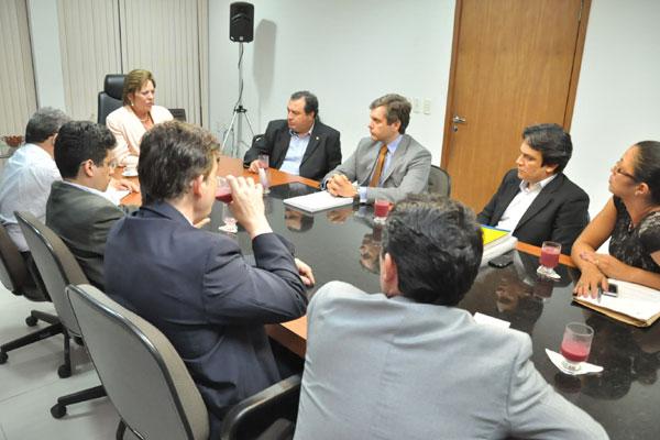Reunião entre Governo e Sinpol durou cerca de duas horas