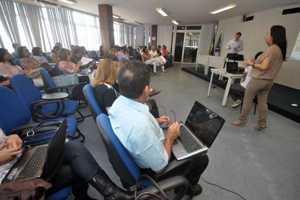 Reunião, na manhã de ontem, discute construção do Plano Estadual de Catástrofe, que será colocado em prática em junho de 2013