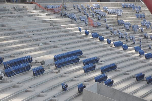 A implantação das cadeiras nas arquibancadas será uma das grandes novidades apresentadas à comitiva da Fifa durante a visita