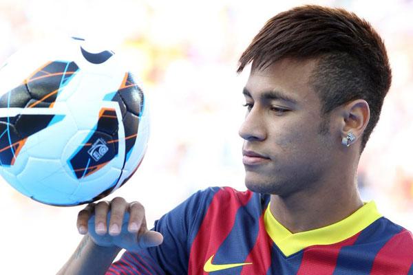 Polêmica envolvendo o contrato do jogador causou a queda do presidente do Barcelona