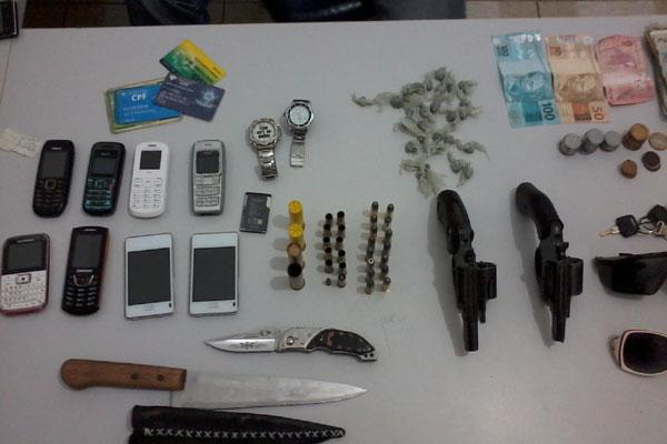 Polícia Militar apreendeu diversos materiais da quadrilha