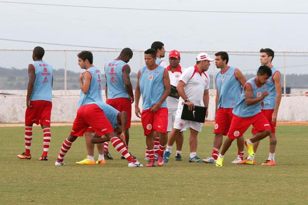 Leandro Sena comandou um treino de apronto, ontem no Nazarenão, mas já antecipou que não pretende realizar modificações