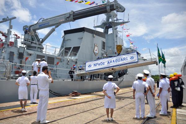 Araguari atracou ontem na Base Natal, onde ficará sediado para operações oceânicas de defesa