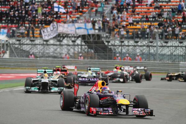No treino de hoje para o GP da Índia, Vettel conquistou a pole position para a corrida de amanhã