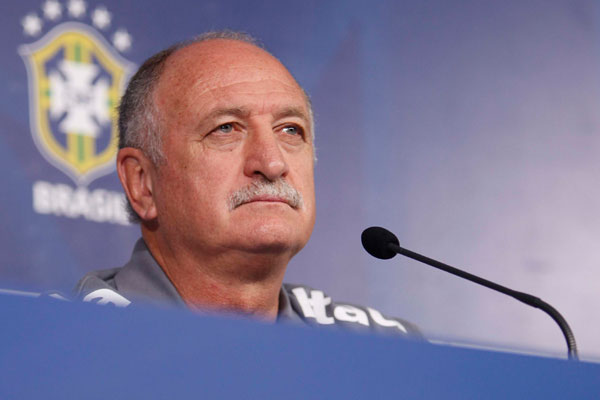 Felipão convocou três jogadores que atuam no Brasil