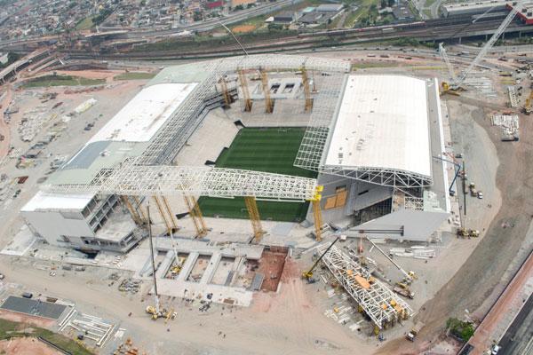 Estádios como o Itaquerão, que ainda recebem obras, terão os gastos incluídos na investigação