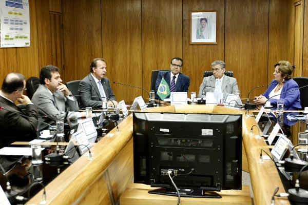 Carlos Eduardo, Henrique Eduardo Alves, Garibaldi Filho e Rosalba Ciarlini participaram de encontro em Brasília