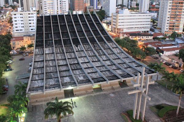 Catedral Metropolitana foi inaugurada em 1988