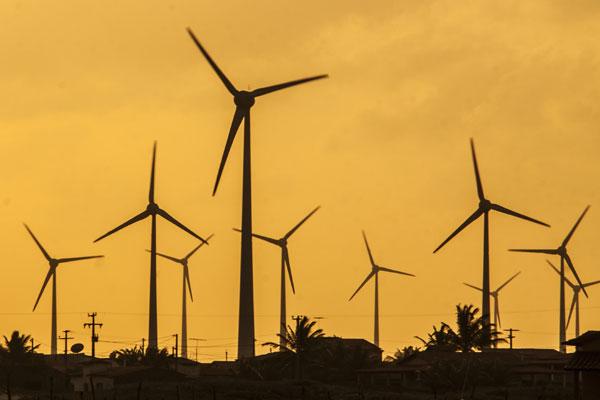 Parque eólico no RN: Linhas de transmissão para escoar energia são previstas para janeiro e julho de 2014. Entrega está atrasada