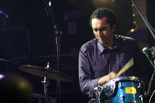 Di Stéffano se apresenta com Felipe Magno e Erick Firmino
