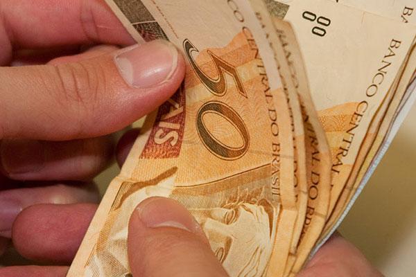 O dinheiro do 13º salário será repassado juntamente com o pagamento da folha de novembro