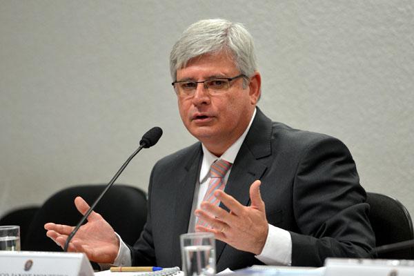 Rodrigo Janot alerta que Ministério Público não vai tolerar a infidelidade partidária