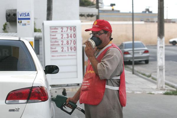 Se o reajuste for repassado na mesma proporção que foi anunciado, o preço da gasolina pode chegar a R$ 3 nos postos de Natal