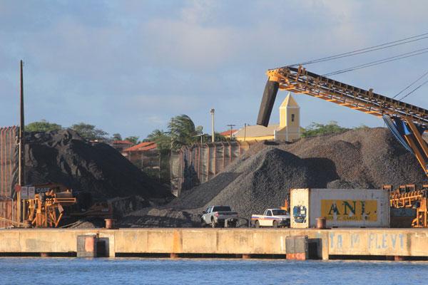 Minério de ferro no Porto de Natal: produto agora é escoado pelo Porto de Cabedelo, na Paraíba