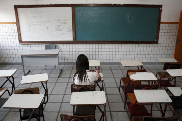 Das 167 escolas públicas estaduais em Natal, 22 estão em situação de urgência por causa da falta de professores de várias disciplinas