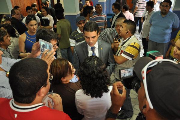 Empossado pela terceira vez, Silveira Jr enfrenta desafio de pagar folha de dezembro em dia