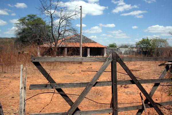 Casa onde Valdetário Carneiro foi morto, há dez anos, nunca mais foi ocupada